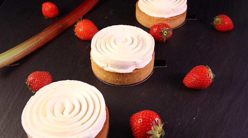 Tarte-fraises-rhubarbe-yuzu06